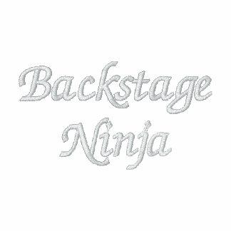 Polo bordado Ninja entre bastidores