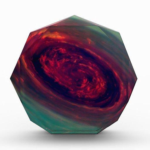 Polo Norte que remolina de Saturn
