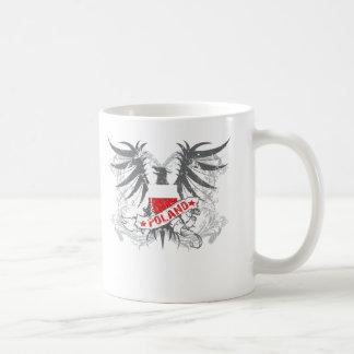 Polonia se fue volando tazas de café