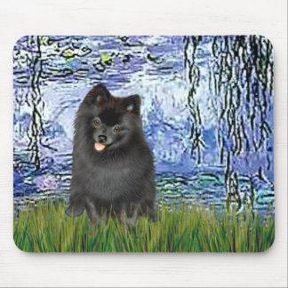 Pomeranian (black) - Lilies 6 Mouse Pad