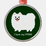 Pomeranian blanco lindo con el texto de encargo ornaments para arbol de navidad