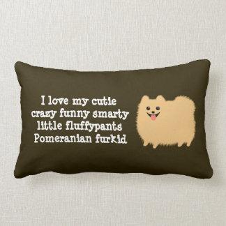 """Pomeranian con el texto de encargo - """"amo mi cojín"""