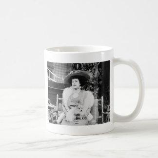 Pomeranian Lady Mug