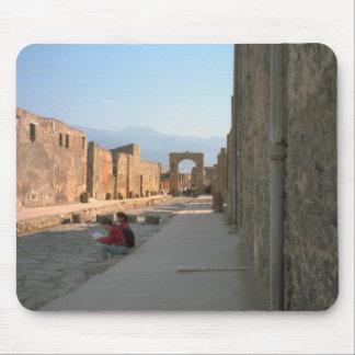 Pompeya, calle ancha con las progresiones toxicoló tapete de ratón
