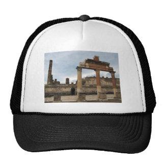 Pompeya - columnas restantes de la arcada gorras de camionero