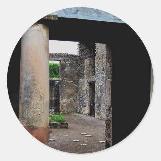 Pompeya - corte o peristyle interior de la casa pegatina redonda