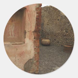 Pompeya - lararium de la pared - pintura en lugar pegatina redonda