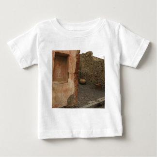 Pompeya - lararium de la pared - pintura en lugar playera