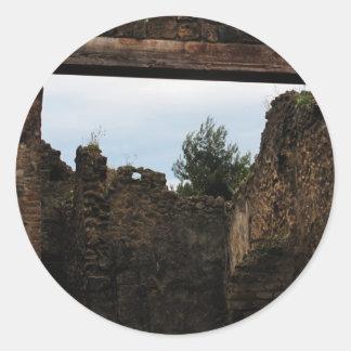 Pompeya - primer de un patio antiguo pegatina redonda