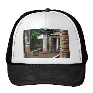 Pompeya - ruinas de un chalet gorro de camionero