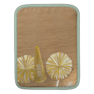 poms de oro del pom en piso del gimnasio funda para iPads