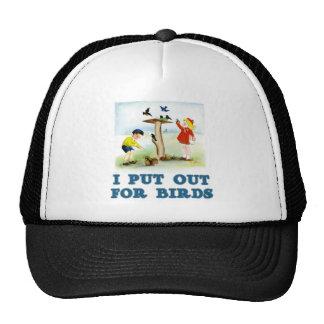 Ponga hacia fuera para los pájaros los niños gorro