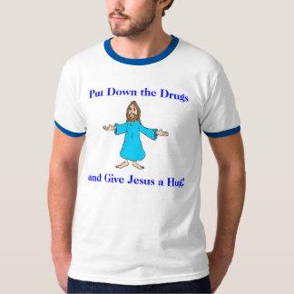 ¡Ponga las drogas en el suelo y dé Jesús un Playera