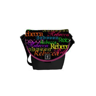 Ponga su nombre por todo este bolso colorido bolsa de mensajeria
