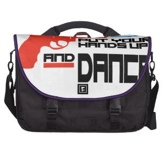 Ponga sus manos y baile bolsas para portatil