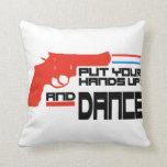 Ponga sus manos y baile cojines