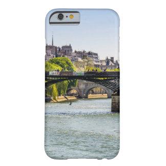 Pont des Arts en París, Francia Funda Barely There iPhone 6