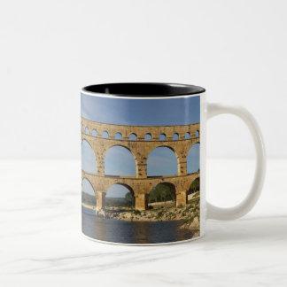 Pont du Gard, Gard, Languedoc-Rosellón, Francia Taza De Café De Dos Colores