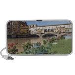 Ponte Vecchio y tabla a lo largo de Arno Rive Altavoces De Viajar