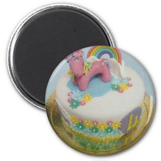 Pony cake 1 magnet