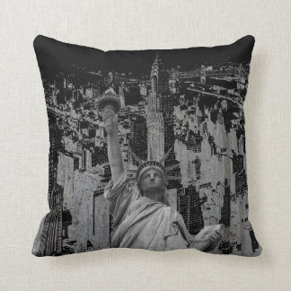 Pop Art New York City Manhattan Statue of Liberty Throw Pillow