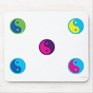 pop art ying yang mousepad