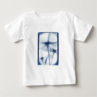 Por debajo las flores - vintage Cyanotype azul Playeras