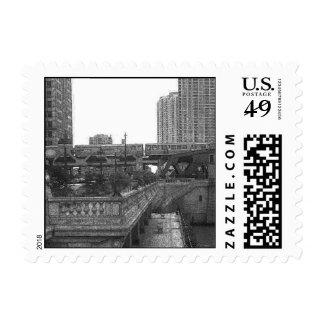 Por el río Chicago… en blanco y negro Sello