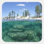 Por encima y por debajo del lago Tahoe Pegatina Cuadrada