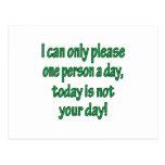 Por favor una persona al día postal