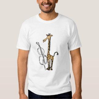 POR la camisa de la jirafa y del violoncelo