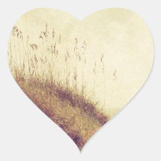 Por las dunas pegatina en forma de corazón