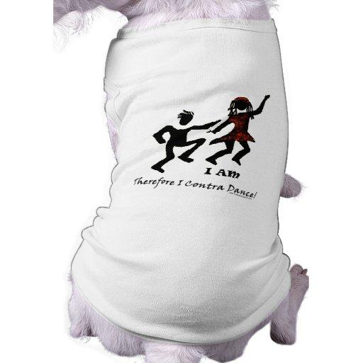 Por lo tanto yo contra danza camiseta de perrito