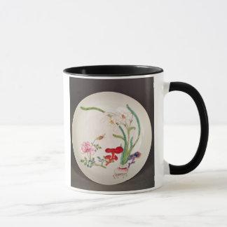Porcelain dish, famille rose decoration, Yung Chen Mug