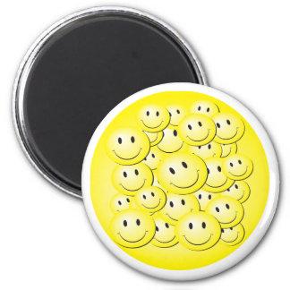Porción de caras del smiley de la burbuja. imanes de nevera