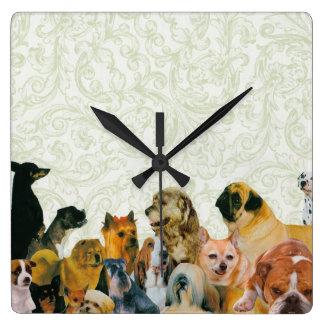 Porciones de collage de los perros relojes