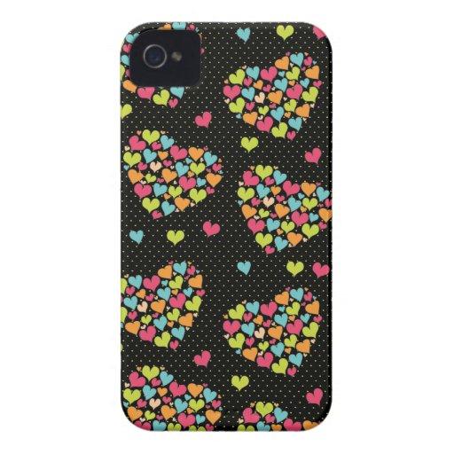 Porciones de diversión de los corazones y colorido iPhone 4 funda