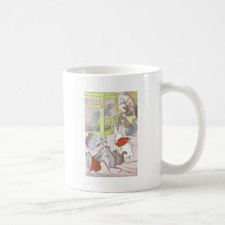 Porciones de pequeños animales taza de café
