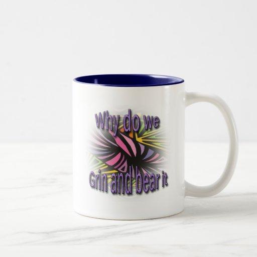 Porqué lo haga lo hacemos muecas y llevamos púrpur tazas de café