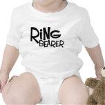 Portador de anillo del inconformista traje de bebé