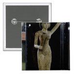 Portador femenino de las ofrendas que llevan un ag pin cuadrada 5 cm