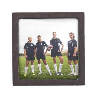 portait del grupo de los jugadores de fútbol adole caja de recuerdo de calidad