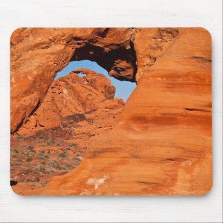 Portal rojo de la roca tapete de raton