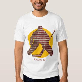 Portero del hockey de la pared de ladrillo playeras