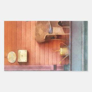 Pórtico con la regadera de cobre amarillo pegatinas