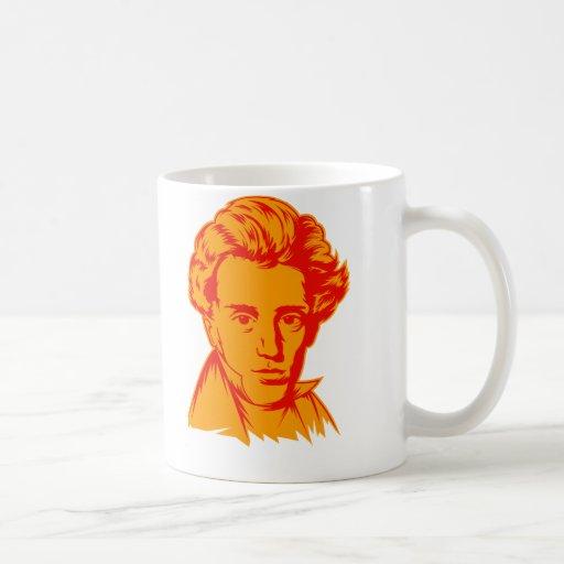 Portra del existencialista de la filosofía de Sore Tazas De Café