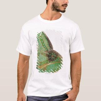 Portrait of boldly colored Yemen chameleon T-Shirt