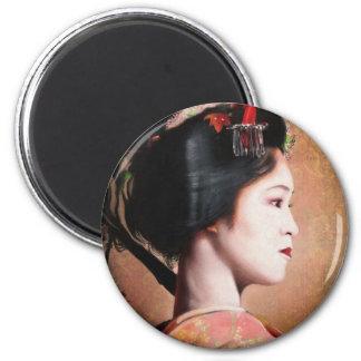 Portrait of Geisha oriental japanese round magnet