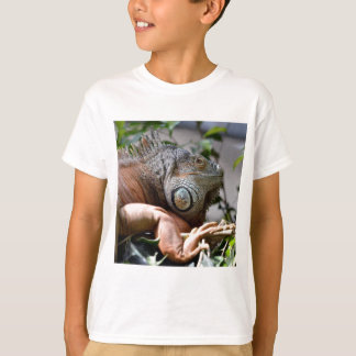 Portrait of green iguana T-Shirt