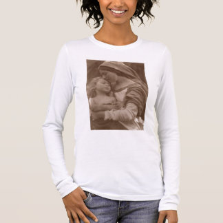 Portrait of mother and child (sepia photo) long sleeve T-Shirt